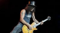 Slash talks new album World On Fire