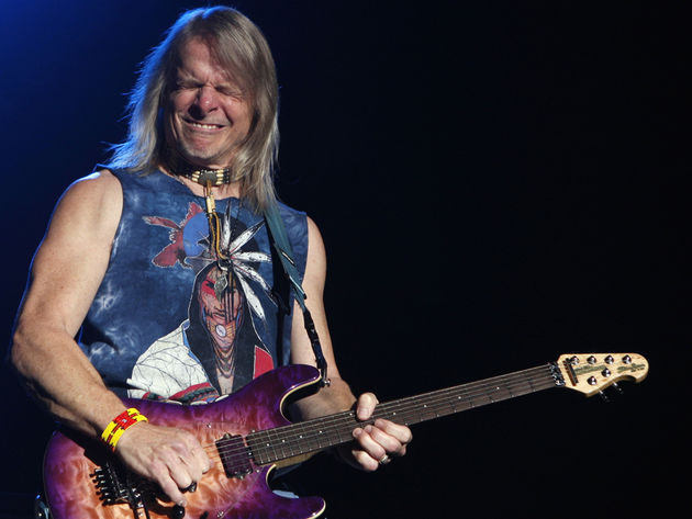 In an intimate club setting, Steve Morse will prove that 'Les' is more
