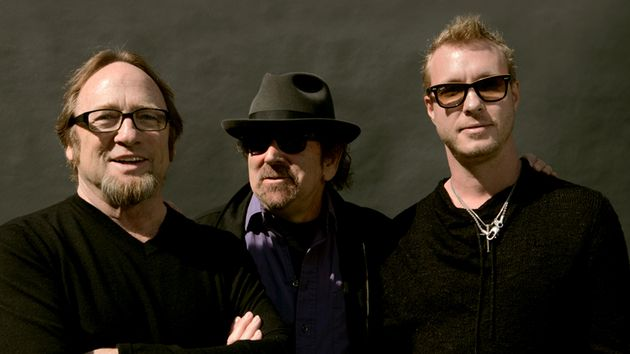 Stephen Stills, Barry Goldberg and Kenny Wayne Shepherd mix blues covers and originals with a touch of proto-punk on The Rides' Can't Get Enough