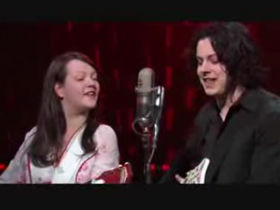 White Stripes make dramatic live return