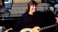 Put your questions to Tom Scholz!