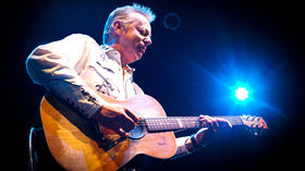 Tommy Emmanuel tops best acoustic guitar player in the world poll