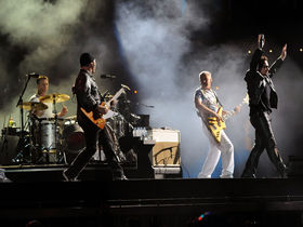 U2 confirm for Glastonbury 2011