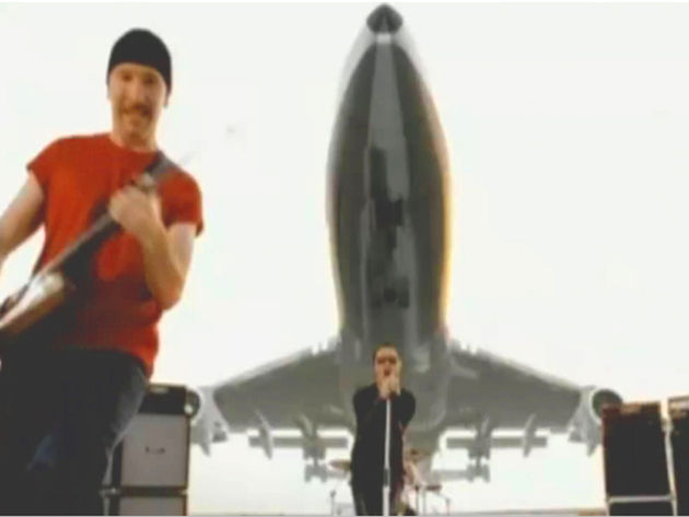 U2's Beautiful Day - plane clearly pictured