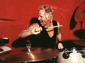 "Matt Sorum says Velvet Revolver need a singer ""soon"""