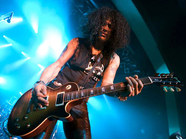 Slash says his solo record will be mighty Tweet