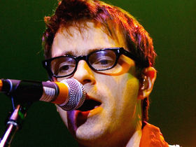 Weezer's Rivers Cuomo injured in tour bus accident