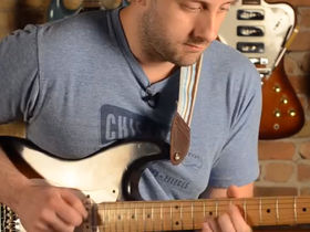 VIDEO: guitarist plays 100 famous riffs in one take