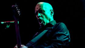 Wilko Johnson announces farewell tour