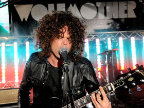 Slash records with Wolfmother's Andrew Stockdale