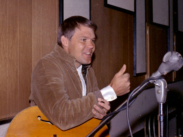 Before hitting solo success, Glen Campbell was a hotshot guitarist with the Crew