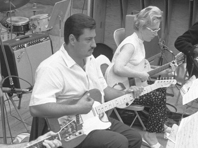Tommy Tedesco and Carol Kaye work on another Top 10 smash