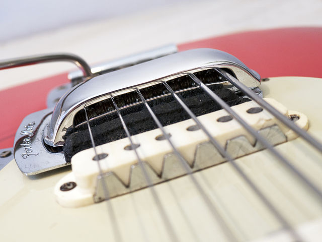 Jaguar-style sawtooth pickup surrounds