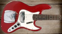 Cool and classic basses: Fender Jazz Bass Pre-CBS Custom Colou