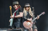 VIDEO: Onstage nightmares with Richie Sambora and Orianthi