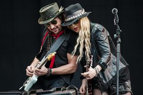 VIDEO: Me and my guitar with Richie Sambora and Orianthi