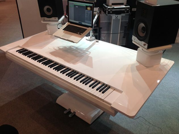 Keyboard desk