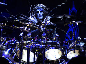 Joey Jordison v Billy Cobham: who's the best?