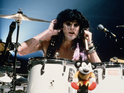 http://cdn.mos.musicradar.com/images/features/50-greatest-drummers/tommy-lee-corbis-530-85.jpg