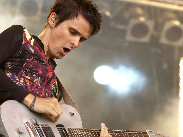 Matt Bellamy - Plug In Baby, Origin Of Symmetry (2001)