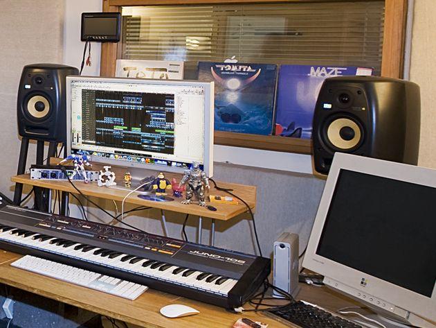 KRK VXT6 monitors