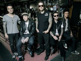 Synyster Gates d'Avenged Sevenfold nous livre un titre à titre d'Hail To The King