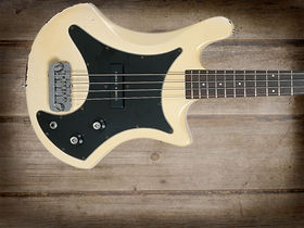 Cool and classic basses: Guild B-301