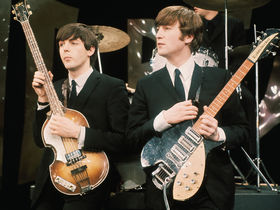 Les 12 meilleures performances basse de McCartney au sein des Beatles