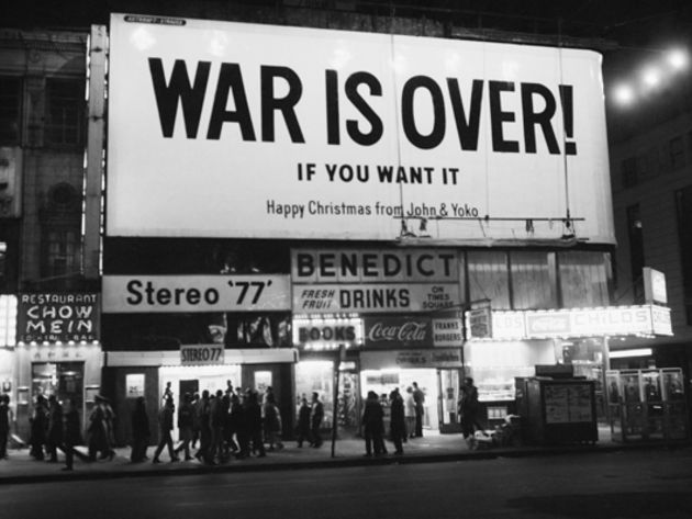Happy Xmas (War Is Over) - John & Yoko