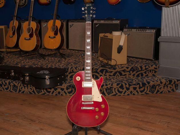 """""""Lucy"""" : La Gibson Les Paul Harrison-Clapton"""