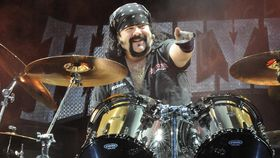 Vinnie Paul: 5 drum tips for groove playing