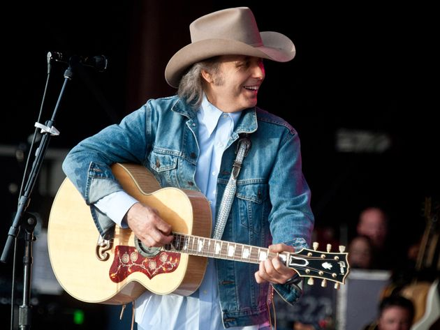 Dwight Yoakam picks 15 essential guitar recordings