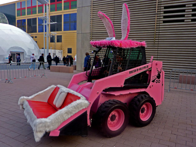The dancing pink JCB