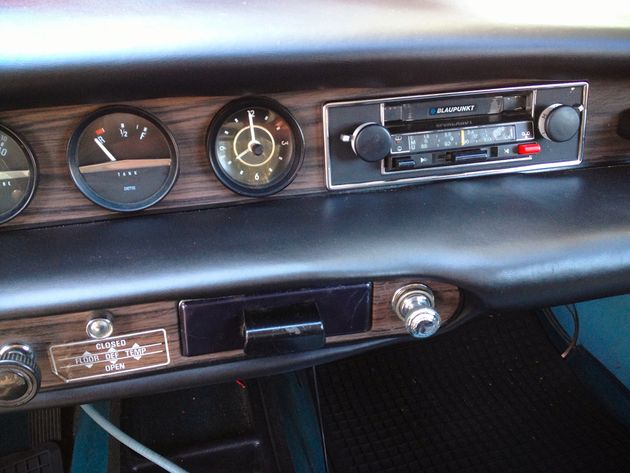 Volvo 1800ES Blaupunkt Mod