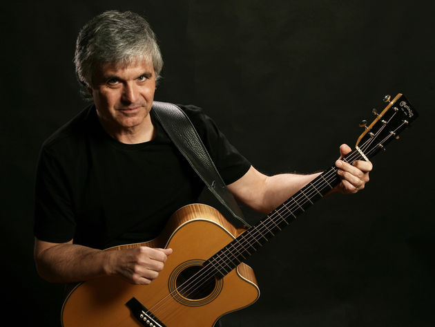 Laurence Juber talks Paul McCartney and new photo book Guitar With Wings
