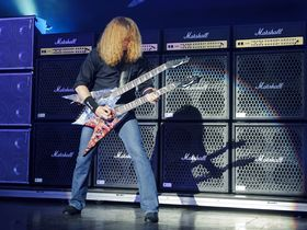 Les 10 clichés du guitariste lead