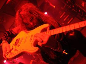 10 lead guitarist clichés