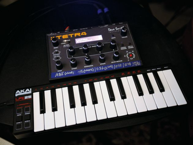 Akai LPK25/Dave Smith Instruments Tetra