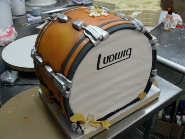 Ludwig bass drum cake
