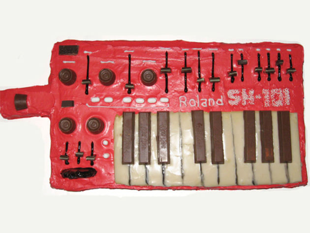 Roland SH-101 synth cake
