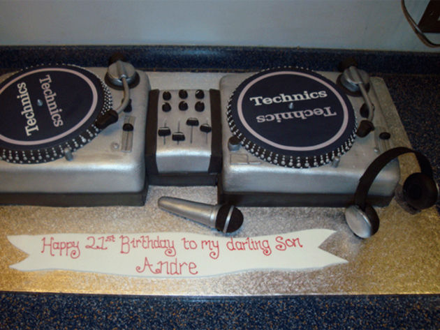 Technics turntables cake