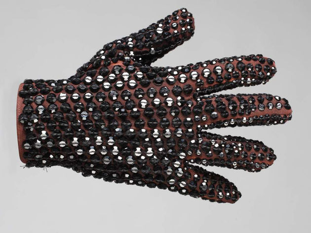 Michael Jackson American Music Awards glove