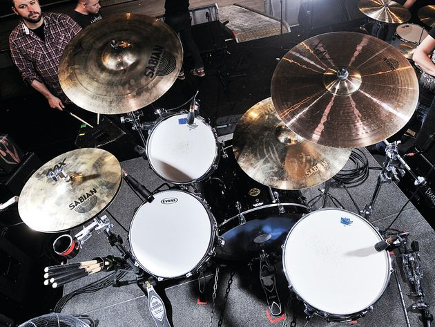 Le kit de Brandon Barnes du groupe Rise Against en images