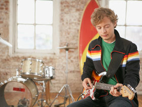 10 mistakes rookie guitarists make