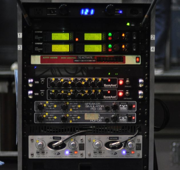 Lee's gear rack