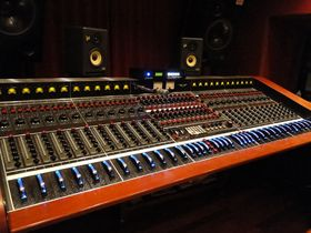 Studio Tour: Nashville's 16 Ton Studios in video and pictures
