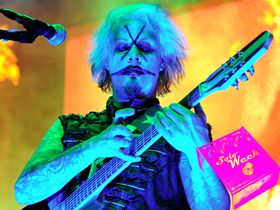 INTERVIEW: John 5 talks guitar solos