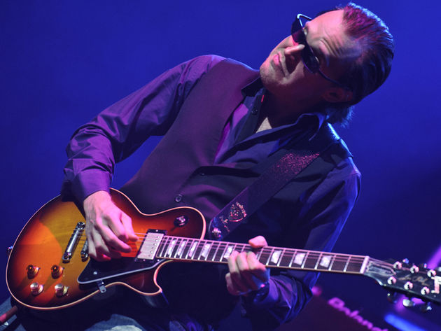 Joe Bonamassa: White Christmas - Bing Crosby