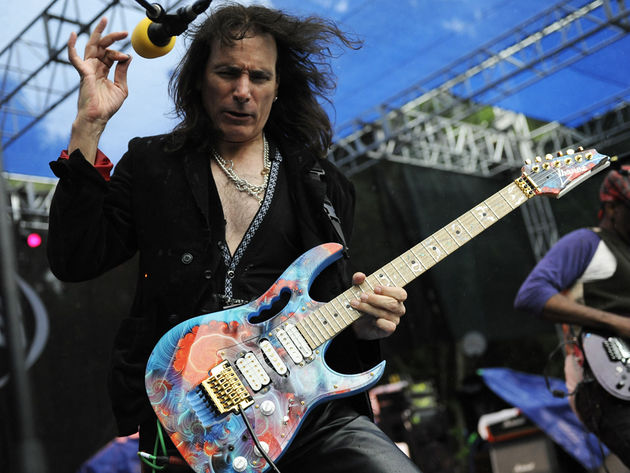 Steve Vai: Christmas Time Is Here - Vince Guaraldi Trio