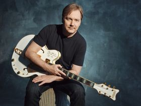 Country legend Steve Wariner picks 10 essential guitar albums